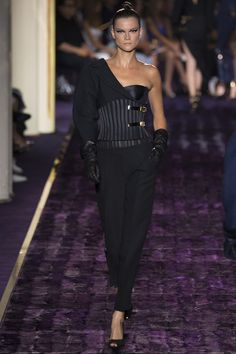 Atelier Versace Fall Winter 2014-2015 Reminds me of a Jean Paul Gaultier design