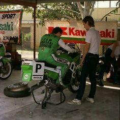 Kawasaki Australia Team & Rob Phillis/ Kawasaki GPX 750 R