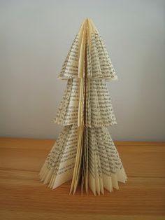 Weihnachtsbäumchen aus altem Buch / Christmas tree made from old book