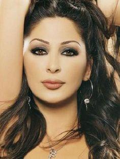 Lebanese singer Elissa by suzi Beautiful Arab Women, Most Beautiful Faces, Beautiful Models, Arabian Women, Arabian Beauty, Make Up Looks, Celebrity Measurements, Arabic Makeup, Beauty Full Girl