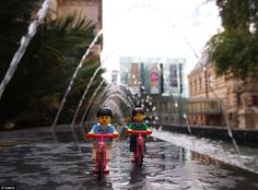 A couple touring the world are documenting the sights in an unusual way – with Lego avatars. The Lego couple have visited 10 countries, focusing on Australia'a natural beauty and stunning coastline during their time down under Lego Jurassic World, Miniature Photography, Lego Photography, Photography Ideas, Lego Pictures, Travel Pictures, Travel Pics, Lego Pics, Legos