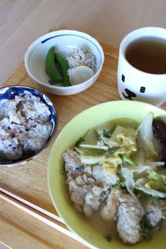 lunch on Sat. 14 Feb. 2015: leftover misok & milk stew, boiled snap peas, steamed radish with tuna & dried young sardines, rice added 10 kinds of grains and toasted Bancha tea