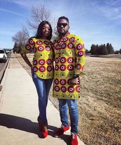 The most classic collection of beautiful traditional and ankara styles and designs for couples. These ankara styles collections are meant for beautiful African ankara couples Ankara Styles For Kids, Ankara Short Gown Styles, Trendy Ankara Styles, African Attire, African Wear, African Outfits, African Style, African Tops, African Beauty