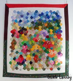 Quilt en Beauce, Beauce - Arts Textiles: CHARM QUILTS.  Pentagons