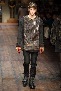 See all the Dolce & Gabbana Fall/Winter photos on Vogue. Fashion Moda, Love Fashion, Winter Fashion, Fashion Show, Mens Fashion, Fashion Menswear, Couture Fashion, High Fashion, Streetwear Mode