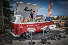 "Photograph VW Bulli as ""Kombi Bar"" by Matthias Hildebrandt on Transporteur Volkswagen, Volkswagen Bus, Vw T1, Mobile Food Cart, Mobile Food Trucks, Mini Camper, Vw Camper, Kombi Food Truck, Combi T1"