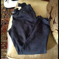 Michael Kors 100% linen Size :4 Very comfortable 100% linen pants by Michael Kors color navy blue Size:4 . The pants are in excellent condition . Please let me know if u need more info .Thanks!:) MICHAEL Michael Kors Pants