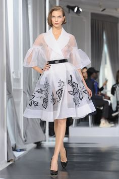 Christian Dior 2014 Couture / inspire by the A-line, new look Dior / nipped in waist / wide skirt - volume on the bottom