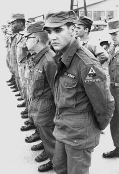 Elvis Presley belonged to the 3rd Armored Division and was stationed at Ray Barracks in Friedberg, Germany from October 1958 to March 1960. There is no stripe on Elvis's sleeve. (He was promoted to PFC in Grafenwöhr, Germany on November 27, 1958.) So this picture was  taken in October/ November 1958 when he was just a private.