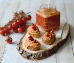Toujours prêt(e) pour un apéritif à la maison ou à emporter ?! Venez découvrir cette recette de dip ou tartinade épicée au chorizo et aux haricots blancs !