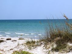 Longboat Key, Florida offer 10 miles of uninterrupted beautiful beaches. Must Do  Sarasota Visitor Guide Top 10 Beaches