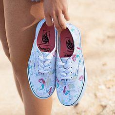 Vans da Ariel e das Princesas Disney Vans Disney, Disney Shoes, Disney Outfits, Ariel Disney, Mermaid Disney, Disney Princesses, Mermaid Mermaid, Vans Sneakers, Tenis Vans