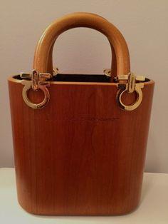 bf4cbfc4ce9 very rare vintage Salvatore Ferragamo Gancini Wood brown handbag tote VARA