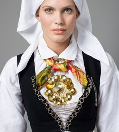 Bilde av Sølje til bunad fra Vest-Agder Vest, Costumes, Norway, Image, Instagram, View Source, Traditional, Design, Fashion