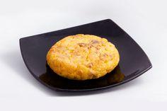 Tortilla de chicharrones con queso San Simón Local: Mesón Moncho  Finalista Tapas Tradicionales Concurso de Tapas Picadillo 2015. A Coruña