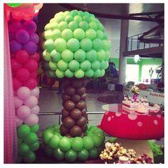 Tree balloon decor