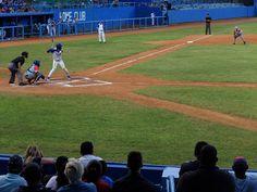 Ir al estadio. http://www.cubanos.guru/ir-al-estadio/