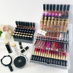 WEBSTA @ joeydevivre - Lipsticks galore ✨ I love these @mujiaus acrylic drawers! They're always sold out so always keep an eye out when they restock guys ✌️ I realised I've been wearing liquid lipsticks 90% of the time and have been neglecting my classic lipsticks  Is this the same for anyone else? I guess I like how long lasting liquid lippies are hehe  #makeup #makeuplover #makeupdesk #makeupmafia #makeupblog #makeupblogger #beauty #beautyblog #beautyguru #deskdecor #beautyblogge...
