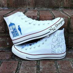 d4dde35fe48b Doctor Who Converse by VuVuDesigns on Etsy