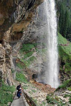 Johanniswasserfall, Obertauern + 3-Seen-Route - weil Wandern dem Stress den Garaus macht! Where To Go, Places To Go, Seen, Waterfall, Stress, Holiday, Travel, Amor, Life's A Journey