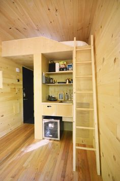 Getaway-9-The-Getaway-Mini-Babe - Design Milk Boston House, The Bunkhouse, Getaway Cabins, Tiny House Movement, Tiny House Living, 2020 Design, House In The Woods, Interior Styling, Loft