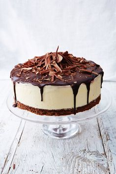 "Black forest frozen cheesecake --- ""This is a great make-ahead dessert that will definitely impress your guests! "" -- Filling of Dark cherries, clementines, cream cheese, cream (Jamie Oliver) Chocolate Butter, Chocolate Biscuits, Chocolate Recipes, Chocolate Cheese, Decadent Chocolate, Frozen Cheesecake, Cheesecake Recipes, Dessert Recipes, Black Forest Cheesecake"