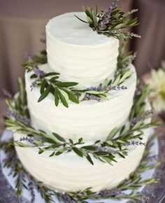 ♡❤ ❥ This Lavender Wreath Cake From the album of: An Intimate Garden Wedding in San Juan Capistrano, CA via Knot garden wedding Top 20 Most Amazing Wedding Cakes of 2013 Lavender Cake, Lavender Wreath, Lavender Leaves, Wedding Lavender, Periwinkle Wedding, Lavender Ideas, Green Leaves, Pretty Wedding Cakes, Amazing Wedding Cakes