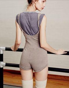 Ballet Fashion, Yoga Fashion, Fashion Beauty, Ballet Wear, Space Fashion, Ballet Clothes, Ballet Costumes, Cute Comfy Outfits, Poses