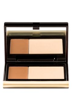 Read on for your full beauty beginners guide to contouring…