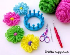 How to Make Loom Flowers, tutorial from Fiber Flux