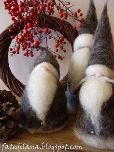 Set of three Santa in Grey Needle Felted Wool. Christmas Decorations. CUSTOM ORDER. €45,00, via Etsy.