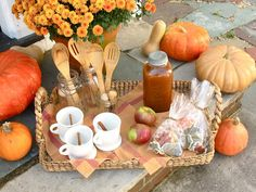 Jenny Steffens Hobick: Pumpkin Carving Party | Front Porch Pumpkin Carving Party