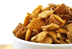 Google Image Result for http://foodfamilyfinds.com/blog/wp-content/uploads/2011/03/toffee-sunflower-chex-cereal-mix.jpg