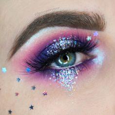 glitter eye makeup 48 Stunning Halloween Eye Makeup Ideas To Try In 2019 Makeup Eye Looks, Eye Makeup Art, Colorful Eye Makeup, Crazy Makeup, Pretty Makeup, Eyeshadow Makeup, Cute Makeup Looks, Purple Eyeshadow, Galaxy Makeup