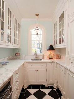 New Kitchen Furniture Classic Butler Pantry Ideas Kitchen Butlers Pantry, Butler Pantry, New Kitchen, Kitchen Decor, Kitchen Ideas, Pantry Ideas, Space Kitchen, Narrow Kitchen, Kitchen Corner