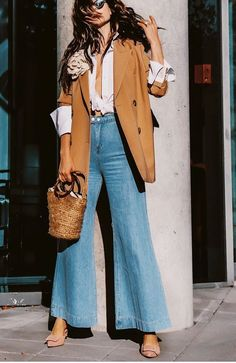 How To Wear Camel This Fall What is fall without good old camel coat or wool-blend camel blazer? Camel Blazer, Camel Coat, Mode Outfits, Fashion Outfits, Ladies Fashion, Fashion Ideas, Blazer Fashion, Celebrities Fashion, Fashion Clothes