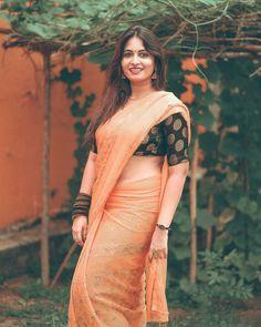 Beautiful Girl Indian, Beautiful Indian Actress, Indian Girls Images, Saree Photoshoot, Saree Look, Indian Beauty Saree, Curvy Girl Fashion, Saree Styles, India Beauty