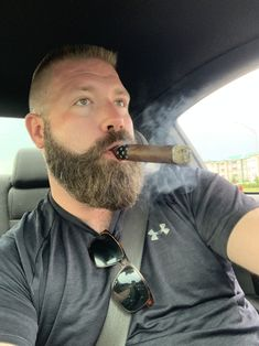 A collection of haircut and barbershop pictures for your viewing pleasure Man Smoking, Cigar Smoking, Cigar Men, Cowboys Men, Hairy Hunks, Beard Love, Hot Guys, Hot Men, Many Men