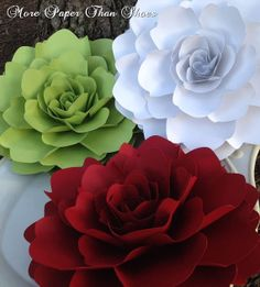 large paper flowers designed by Anna Fearer