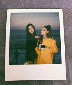 Polaroid Camera Pictures, Photo Polaroid, Polaroids, Happy Birthday Mama, Ariana Instagram, Ariana Grande Sweetener, Best Friend Pictures, Dangerous Woman, Loving U