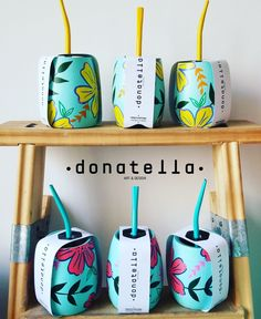 Mates pintados a mano Hand Painted Pottery, Pottery Painting, Art N Craft, Craft Work, Bamboo Cups, I Heart Organizing, Cement Art, Painted Flower Pots, Diy Art Projects
