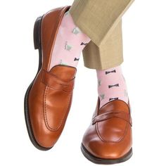 Dapper Classics Pink with Navy Bow Tie and Mint Julep Cup Cotton Sock Linked Toe Sock Shoes, Men's Shoes, Dress Shoes, Navy Bow Tie, Mint Julep Cups, Toe Socks, Patterned Socks, Tie Styles, Cotton Socks