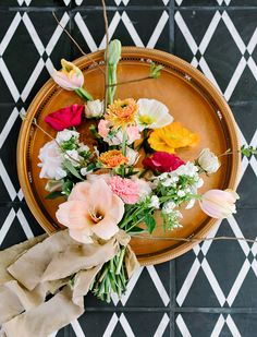 We can't get enough of the enchanting garden glory from this French wedding inspiration shoot! Photo: Julie Wilhite Photography | Rentals: Loot Vintage Rentals #bridesofaustin #austinwedding #weddingflowers