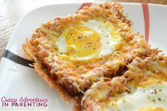 "Cheesy Baked Egg Toast Combining her love for cheesy eggs with eggs ""over easy,"" try this delicious Cheesy Baked Egg Toast for breakfast. You won't be sorry! Breakfast Desayunos, Perfect Breakfast, Breakfast Dishes, Breakfast Recipes, Breakfast Ideas, Mexican Breakfast, Breakfast Sandwiches, Egg Recipes, Brunch Recipes"