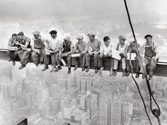 """TIL this famous photo called """"Lunch atop a Skyscraper"""" wasn't the unfinished Empire State Building, it was 30 Rockefeller Center. Lunch On A Skyscraper, Skyscraper New York, Famous Photos, Iconic Photos, Rockefeller Center, Empire State Building, Lewis Hine, Poster Online, Poster"""