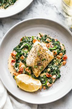 meals to make -:This easy Fish Florentine recipe, made with a pan seared firm white fish served on a creamy bed of spinach feels like something you would order out in a fancy restaurant! Best Fish Recipes, Seafood Recipes, Cooking Recipes, Healthy Recipes, Frozen Fish Recipes, Fast Recipes, Healthy White Fish Recipes, Grouper Recipes, Cod Recipes