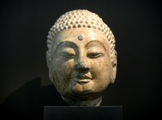 Head of a Buddha (China, Hebei province, from the cave temples of the Xiangtangshan, Northern Qi dynasty, 560-570, Museum Rietberg, Zurich) 1 © Barbara-Paraprem, 2014