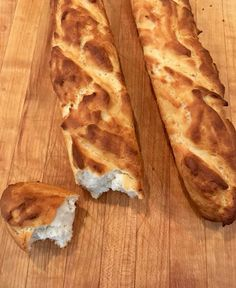 Bake up a batch, or two, of these French style Gluten Free Baguettes. Make them with dairy or dairy free. We love to use our baguettes to make crostini, breadcrumbs, or a kickin' sandwich. This recipe adapts easily to make Gluten Free Vegan Baguettes. Gluten Free Cookies, Gluten Free Baking, Gluten Free Desserts, Vegan Gluten Free, Gluten Free Recipes, Dairy Free, Gluten Free Breads, Gf Recipes, Low Acid Recipes