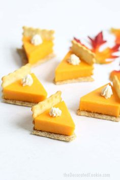 PUMPKIN PIE CHEESE AND CRACKERS is a fun food idea for a Thanksgiving appetizer that is so easy to make. Video how-tos included. Pumpkin pie cheese and crackers are a fun Thanksgiving appetizer idea. Appetizers For Kids, Appetizer Recipes, Dinner Recipes, Thanksgiving Treats, Thanksgiving 2020, Thanksgiving Decorations, Easy Thanksgiving Appetizers, Easy Thanksgiving Side Dishes, Thanksgiving Platter