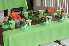 Simple Party Table Decor for a Dinosaur Party